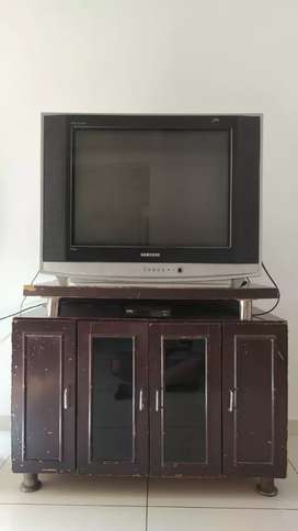 29 inch samsung colour TV with wooden tv table