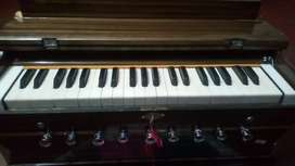 9 stopper ..bass-male with coupler ..harmonium