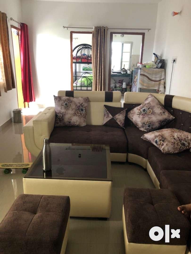 Urgent sale 3 BHK spacious flat in Hirapur 0