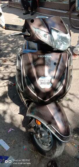 Good condition Activa 4G  all pepear clear reson I want oder bike