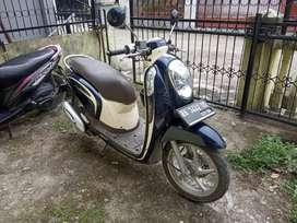 Honda Scoopy Biru Krem Tahun 2014
