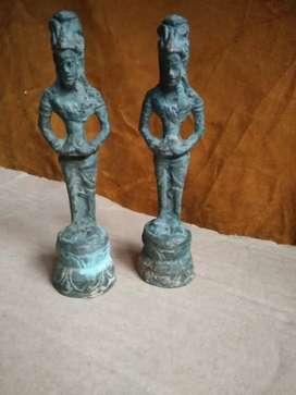 Dua penemuan patung perunggu lama