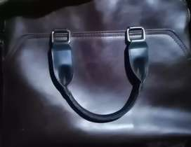 Avaible for Sell only for Today. Leather .Unisexual Formal Handbag