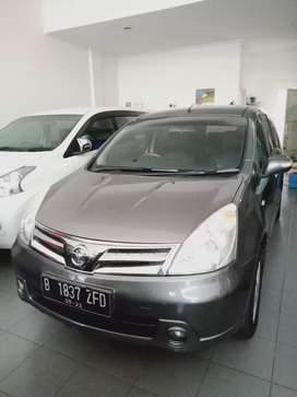 Nissan grand Livina ultimate 1.5 AT Dp : 33jt