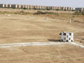 Taiser Town VVIP Sector 30 In Front Of Garden City 400Yards On Sale