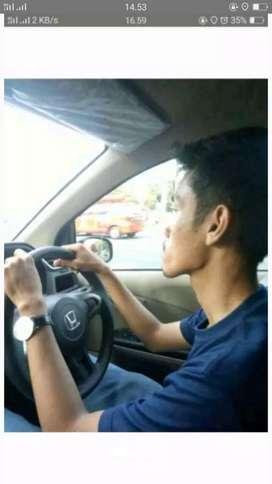 Kursus mengemudi dan rental mobil