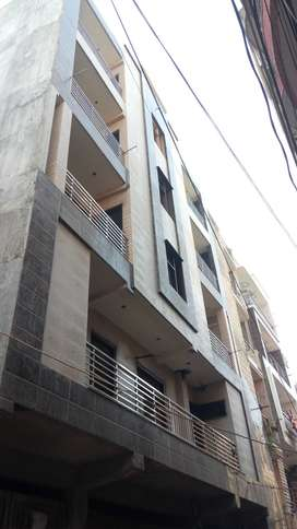 Weekend Offer Booking Just 11000/- 3 BHK Flat