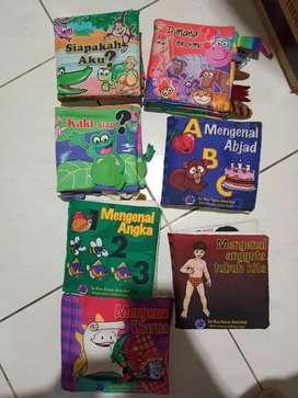 Buku cerita untuk anak bayi dan usia dini