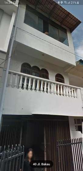 Disewakan rumah 3.5 lantai