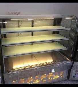 2 cake refrigerator counters