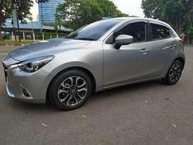 Mazda 2 tipe R at 2017 grey abu2 metalik like new!
