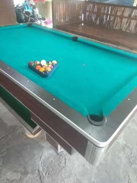 Meja billiard bola kecil