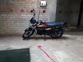 Bike ek dum new condition me hain bhaut kam drive ki hue hai
