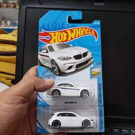 Paket Hot Wheels 19 Mercedes Benz A Class dan 2016 BMW M2