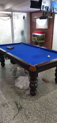 pool table , snooker table