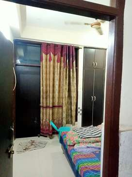 Looking for roommate for fully furnished room- 3500 per person