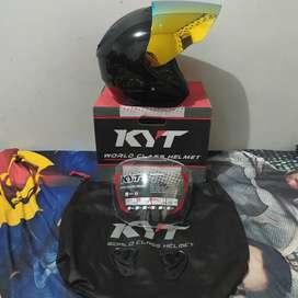 KYT Kyoto R black glossy size L