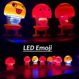 Pajangan dashboard LED Boneka Per Goyang Emoji Lucu Ada :Lampu