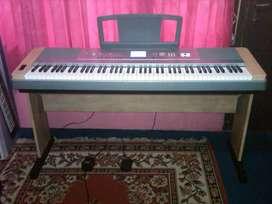 Portable Grand Piano Yamaha DGX640 USB meja lengkap