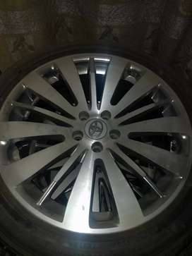 Toyota japnes alloy from rim with tyres