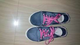 8 number sports shoes
