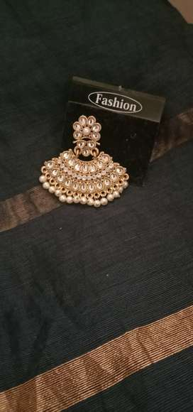 Earrings sales ; fashion, stone work, type of bridal