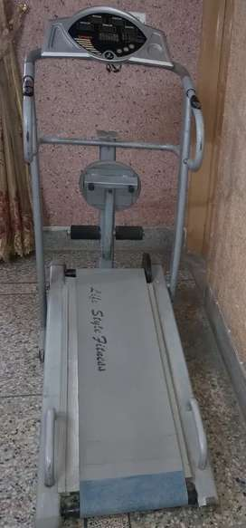 Manual Running machine with twister