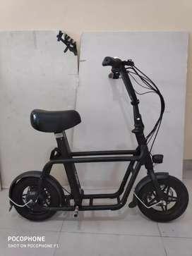 Sepeda listrik fiido hitam