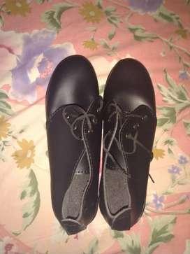 Sepatu heels pump