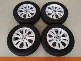 Ready Bosku * Velg Original Mobil All New Nissan Livina Ring 15 + Ban