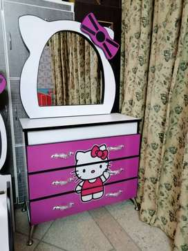 Kitty dressing table in fine quality