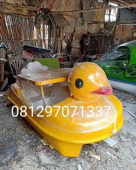 sepeda air fiberglass itik kuning, bebek goes