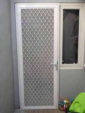 Pintu kasa Nyamuk Aluminium