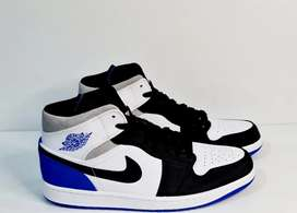 Air jordan 1 mid SE game royal (us 11)