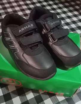 Sepatu sekolah anak UK 29