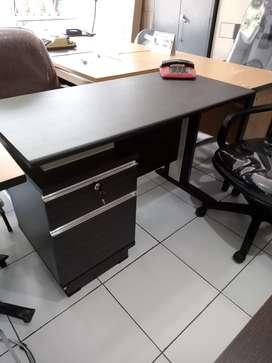 meja kantor minimalis uk 120/150