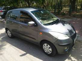 Hyundai i10 sportz top model,first owner,chd numb