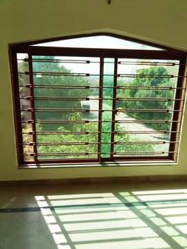 Portion for rent in Gulraze 4'near beconhouse school