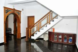 15cents 3600sqft 18 year old well maintained house in Nadathara Tsr