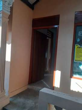 Rumah 6 kamar bisa untuk Kost kost an dekat Amplaz, di Nologaten