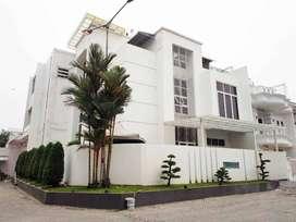 Villa Komplek Cemara Asri Jalan Katalia Medan