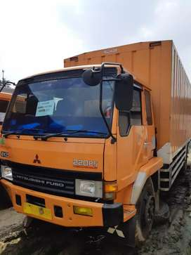 Mitsbishi fuso 220ps long engkel bok besi thn 2011 dan  2013