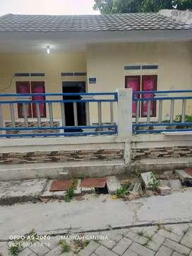 Over kredit di Tigaraksa stasiun