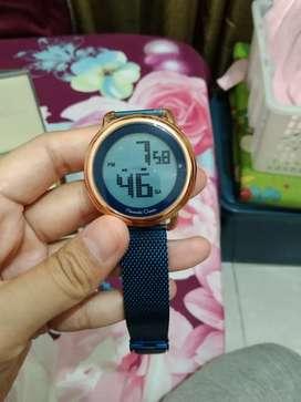 Jam tangan pria digital Alexandre Christie