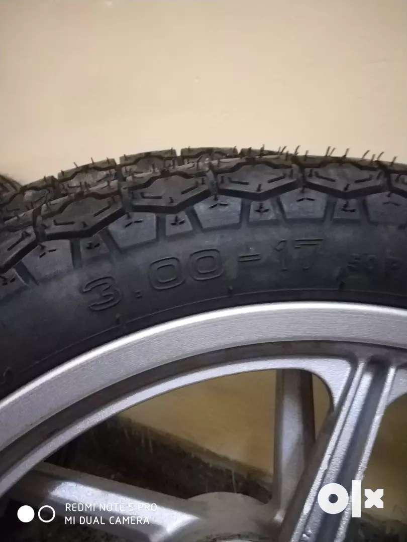 Bajaj Discover 100 cc Mac Wheel and tyre tube 0