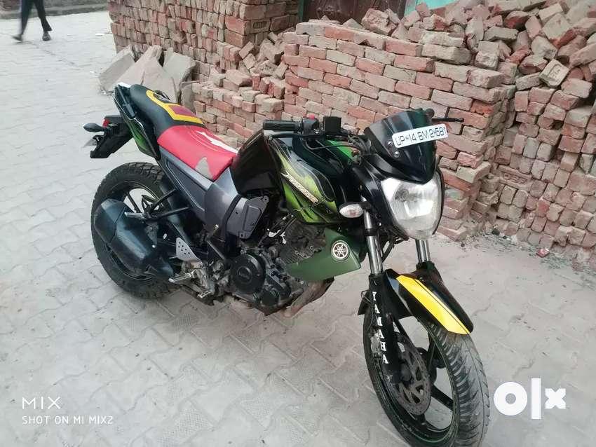 Sell my bike fezer good condition gadi me koi kami nhi fix price 0