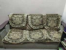 3+2 seater sofa on rs.3000 only