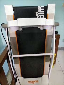 Bodimax Running Machine Treadmill Elektrik Otomatis