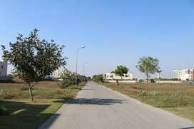 1 Kanal Back of 150 ft Road Near To plot No 40 Y Phase 7