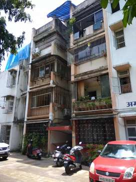 Sale of 1 BHK in vile parle east near telephone exchange at 1.40 cr